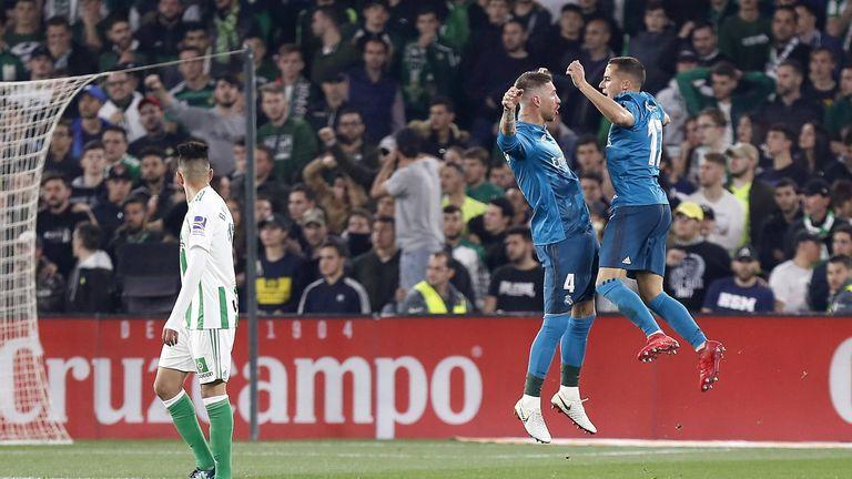 Real Madrid feiert bei Betis Sevilla einen Auswärtssieg.