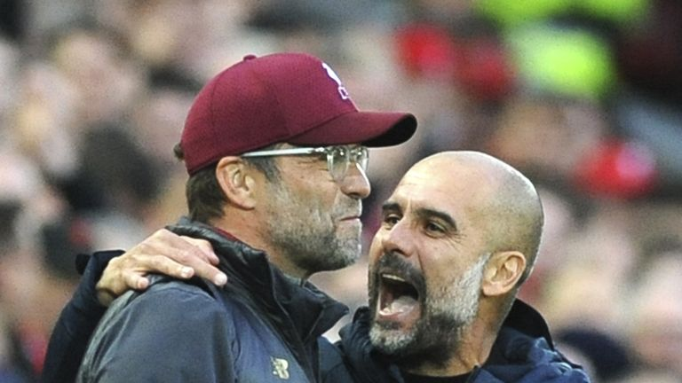 Jürgen Klopp (l.) und Pep Guardiola trennen sich im Spitzenspiel zwischen Liverpool und ManCity unentschieden.