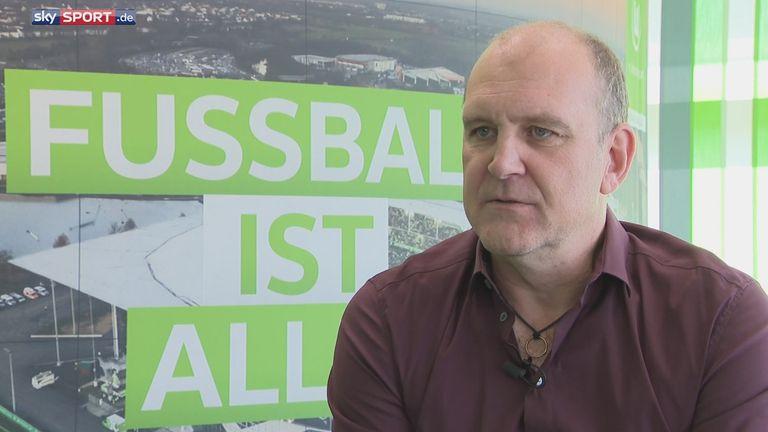 Jörg Schmadtke kann die Kritik an Bayern-Trainer Niko Kovac nicht verstehen.