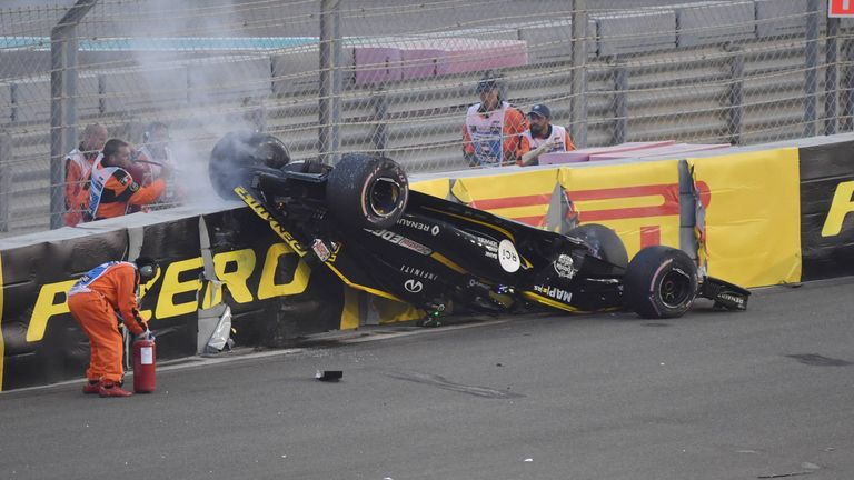 Nico Hülkenberg mit einem Horror-Crash in Abu Dhabi.
