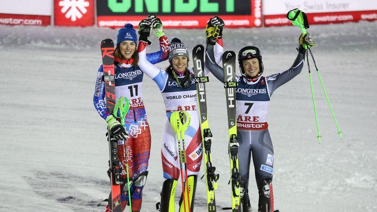 Petra Vlhova (Slowakei) und Ragnhild Mowinckel (Norwegen) komplettieren das Podest.
