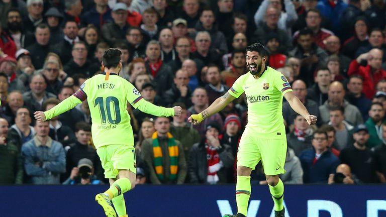 Der FC Barcelona feiert einen Auswärtssieg bei Manchester United.