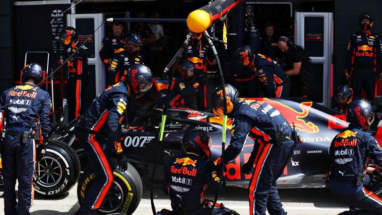Das Team von Red Bull zog Pierre Gasly beim Grand Prix von Großbritannien in Rekordzeit vier neue Reifen auf