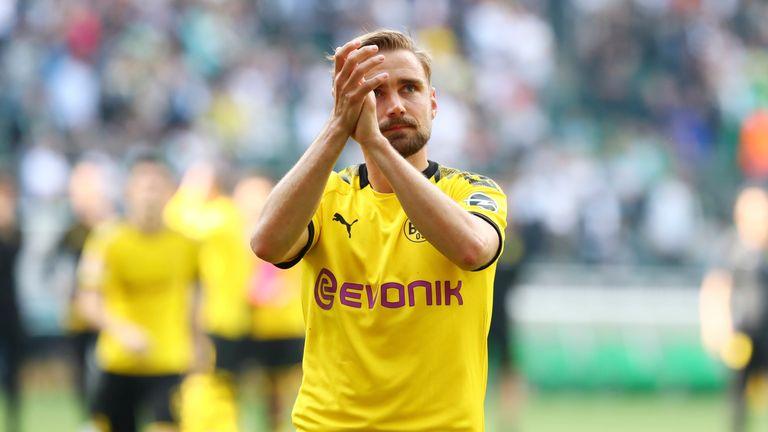 Marcel Schmelzer: Dürfte sich nach der Verpflichtung von Nico Schulz auf der Bank oder gar auf der Tribüne wiederfinden. Kündigte zuletzt an, sich dem Konkurrenzkampf zu stellen. Doch auch er dürfte wohl gehen.