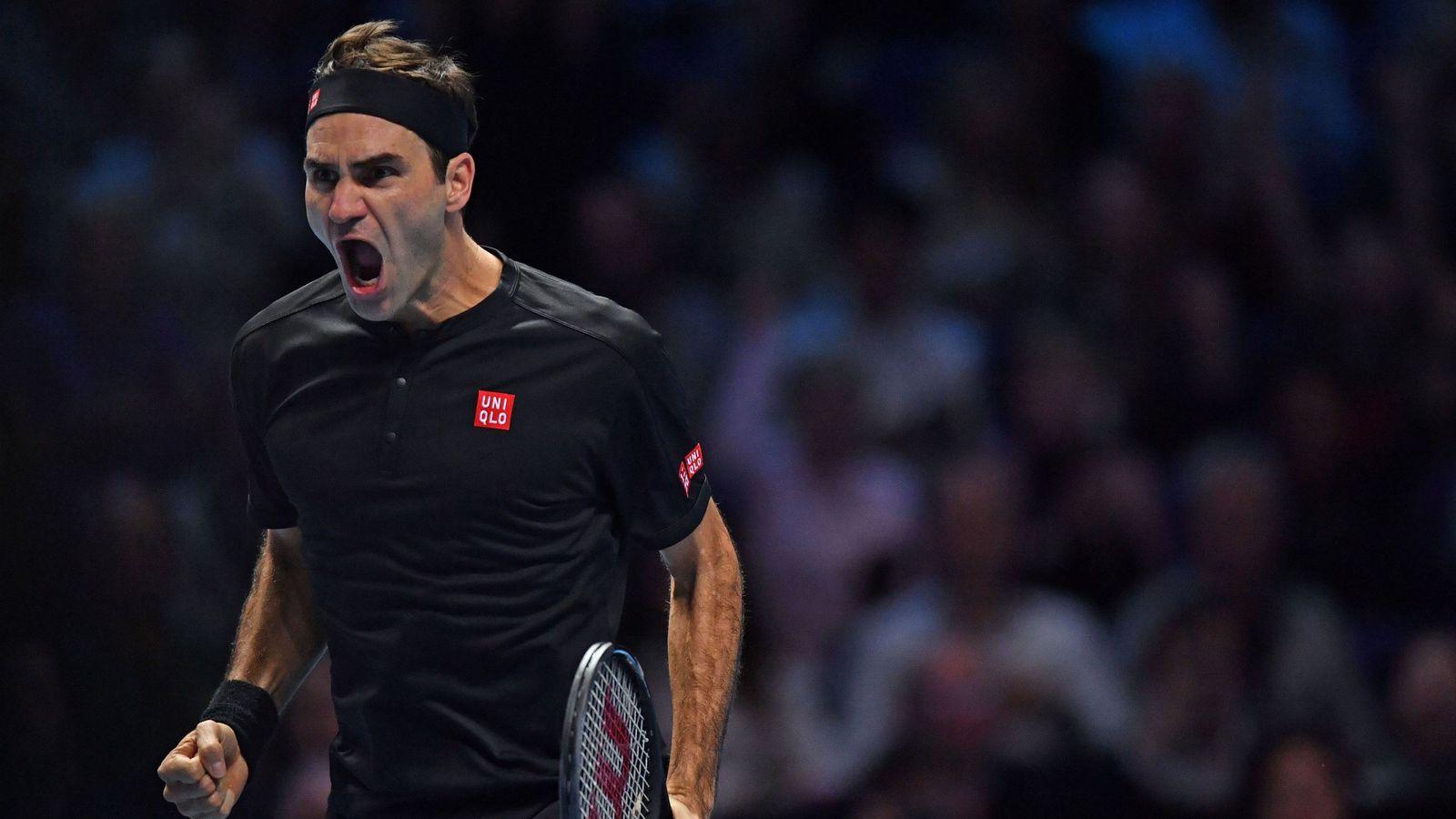 Roger Federer schlägt Novak Djokovic und steht im Halbfinale der ATP-Finals - Sky Sport