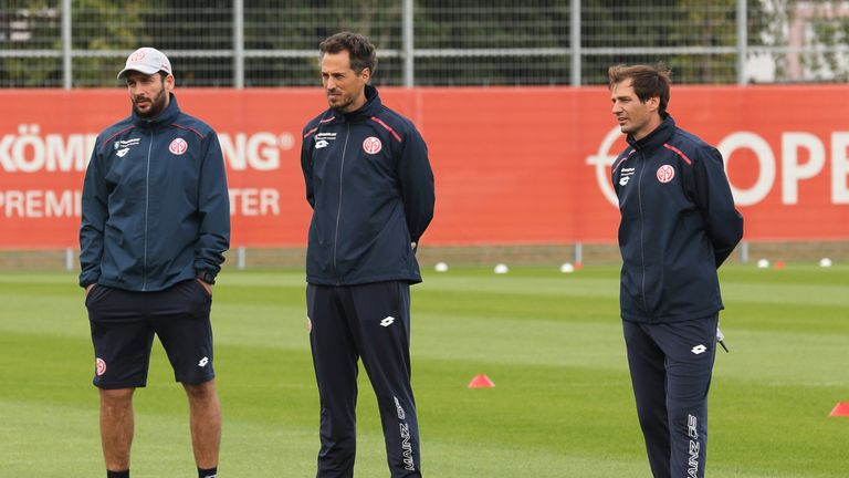 Jan-Moritz Lichte (links) und  Michael Falkenmayer leiten das Training bei Mainz 05 interimsweise.