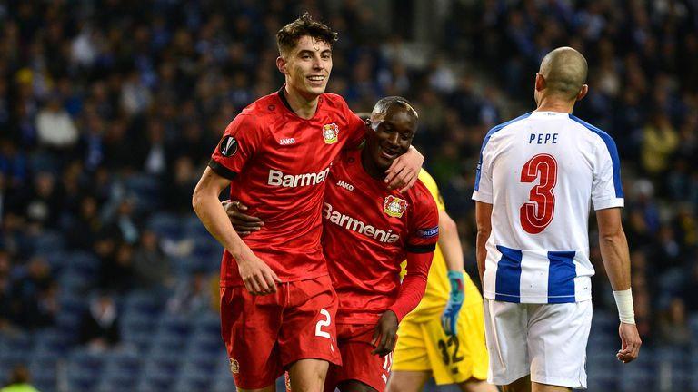 Kai Havertz (l.) trifft für Leverkusen in der Europa League.