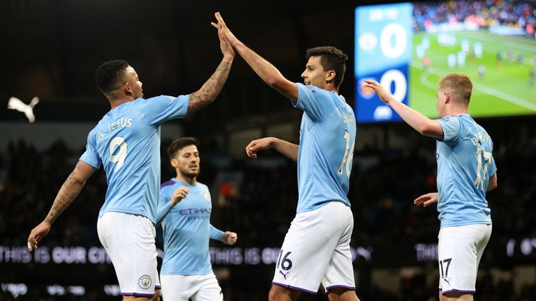 Manchester City schlägt West Ham United.