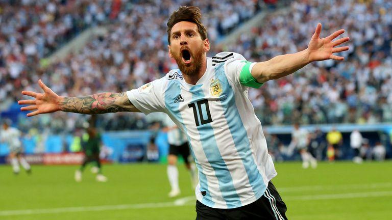 Lionel Messi (2005 - heute): 70 Mal traf Messi bereits in 138 Spielen.