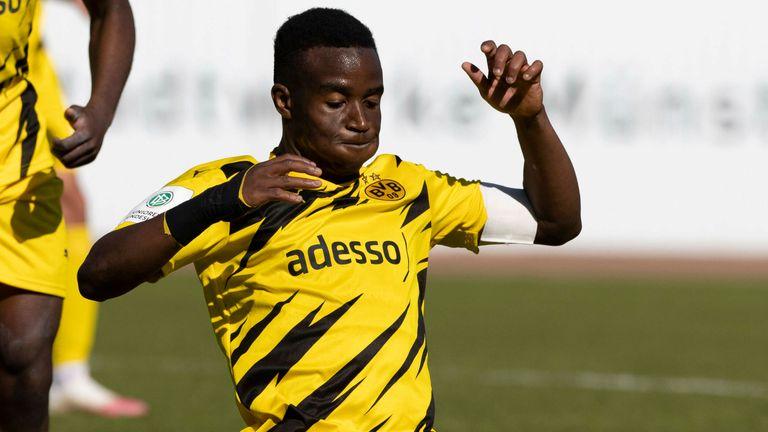 Youssoufa Moukoko könnte nach seinem 16. Geburtstag sein Profidebüt für den BVB geben.