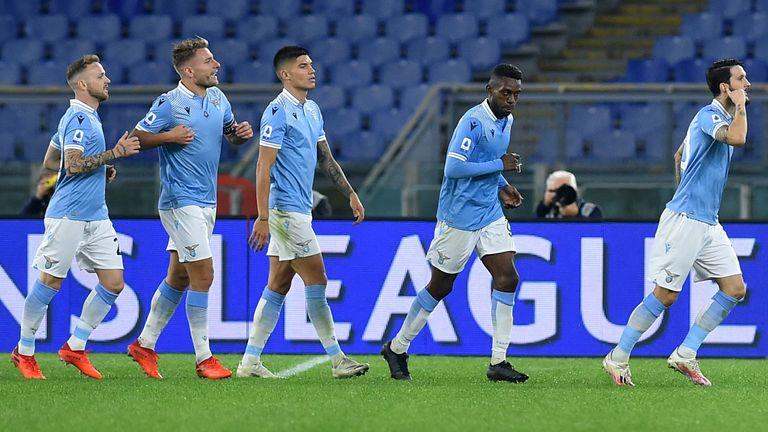 Die komplette Mannschaft von Lazio Rom begibt sich zunächst in Quarantäne.