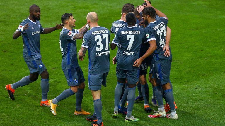 Nach zuletzt drei Niederlagen in Folge feiert der HSV in Darmstadt wieder einen Dreier.