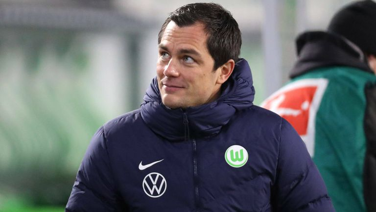 """VfL-Sportdirektor spricht in """"Transfer Update - die Show"""" über die Zukunft von Wout Weghorst und Yannick Gerhardt."""