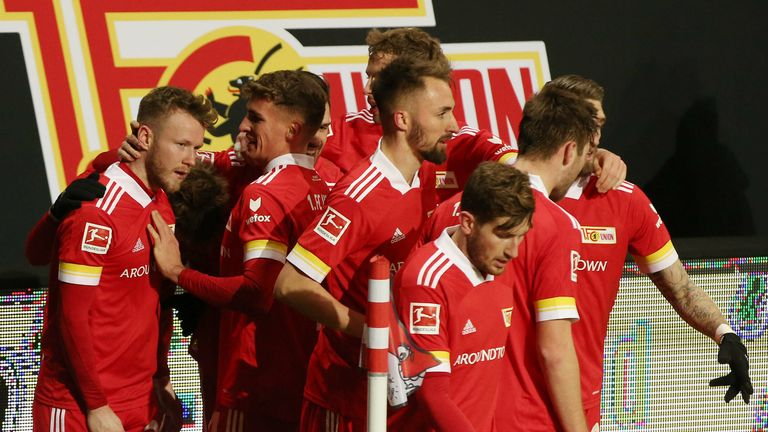 Union Berlin bezwingt Bayer Leverkusen.
